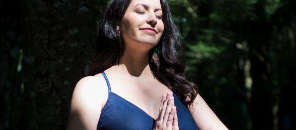 Ana Paula Cervellini - Musicoterapeuta , violinista e focalizadora de Danças Circulares.